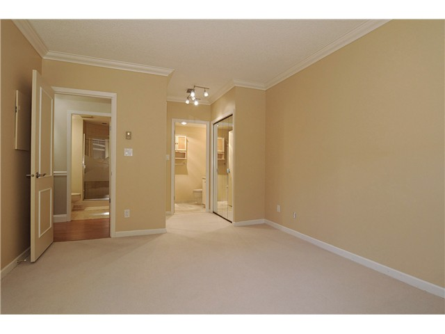 "Photo 8: 103 168 CHADWICK Court in North Vancouver: Lower Lonsdale Condo for sale in ""Chadwick Court"" : MLS® # V865194"