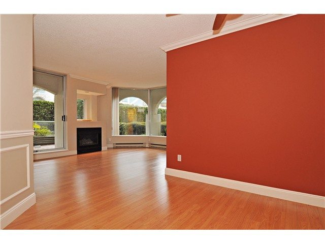 "Photo 7: 103 168 CHADWICK Court in North Vancouver: Lower Lonsdale Condo for sale in ""Chadwick Court"" : MLS® # V865194"