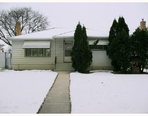 Main Photo:  in WINNIPEG: East Kildonan Residential for sale (North East Winnipeg)  : MLS® # 2821778