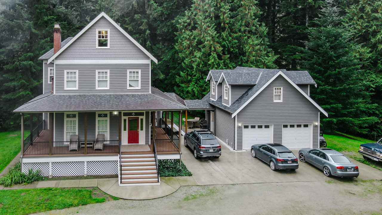 FEATURED LISTING: 11179 286 Street Maple Ridge