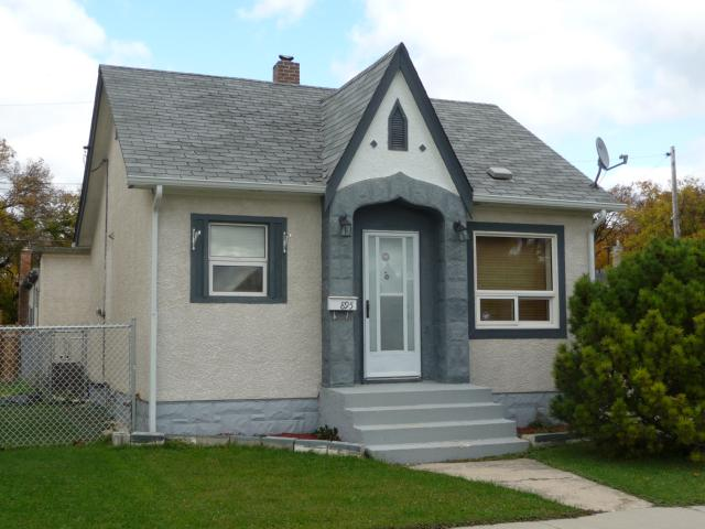 Main Photo: 895 Magnus Avenue in WINNIPEG: North End Residential for sale (North West Winnipeg)  : MLS® # 1019234