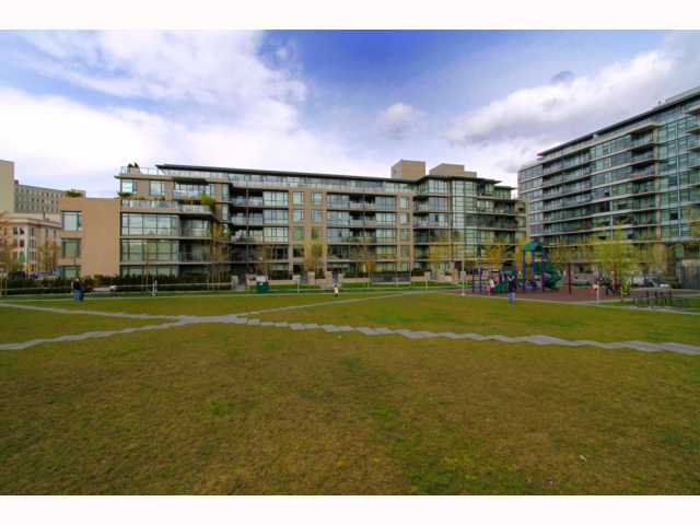 Main Photo: 110 750 W 12TH Avenue in Vancouver: Fairview VW Condo for sale (Vancouver West)  : MLS® # V816970