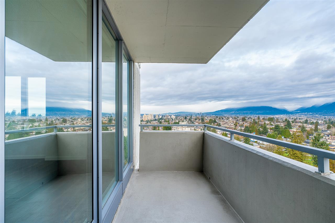 FEATURED LISTING: 1601 - 5652 PATTERSON Avenue Burnaby