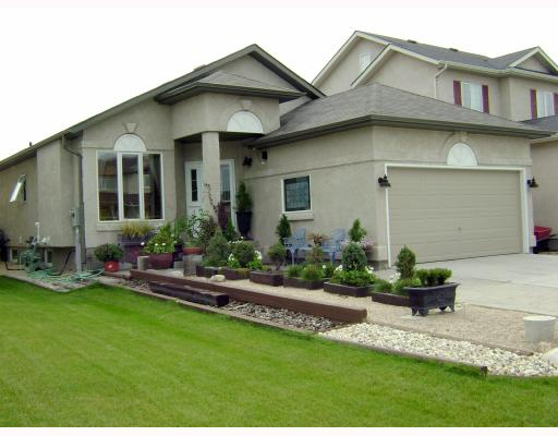 FEATURED LISTING: 67 ROEHAMPTON Place WINNIPEG