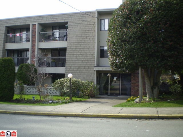 Main Photo: 301 1355 FIR Street: White Rock Condo for sale (South Surrey White Rock)  : MLS®# F1006037