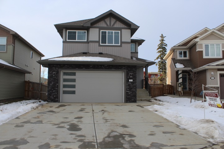 FEATURED LISTING: 90 MEADOWLAND Way Spruce Grove
