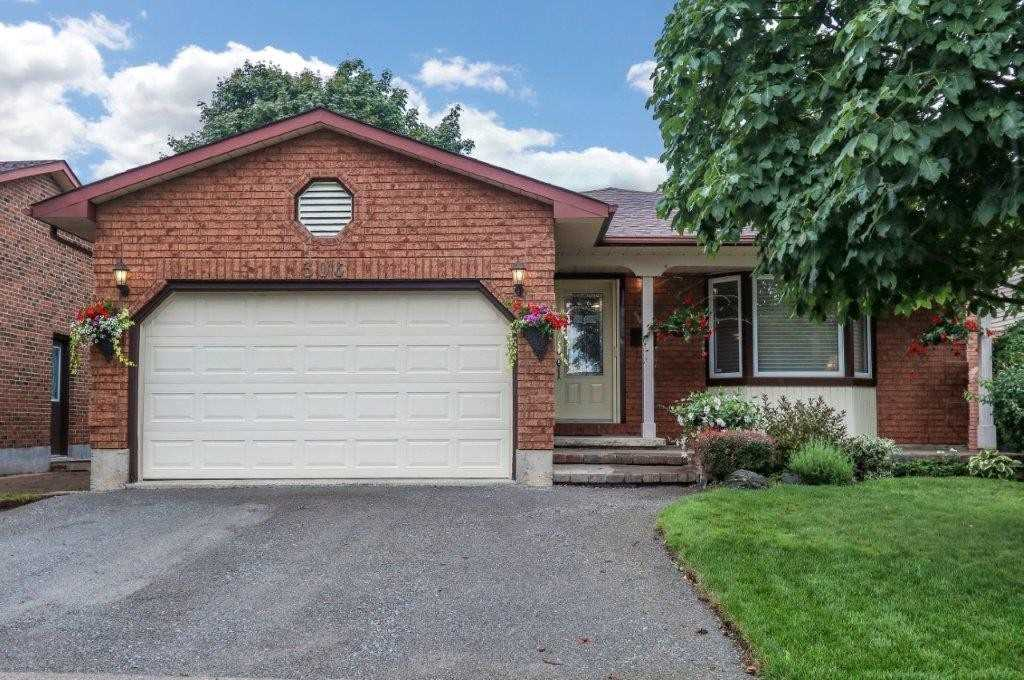 FEATURED LISTING: 306 Dickens Drive Oshawa