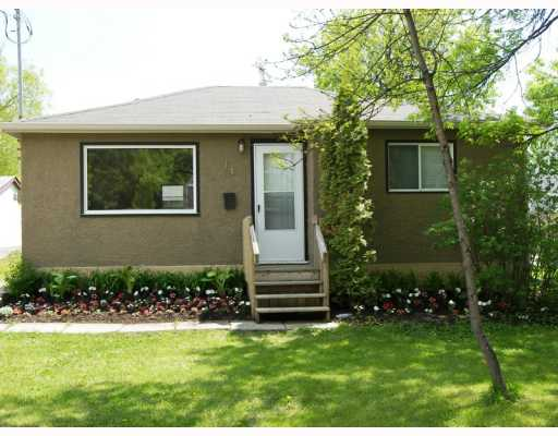 Main Photo: 14 HASTINGS Boulevard in WINNIPEG: St Vital Residential for sale (South East Winnipeg)  : MLS®# 2909877