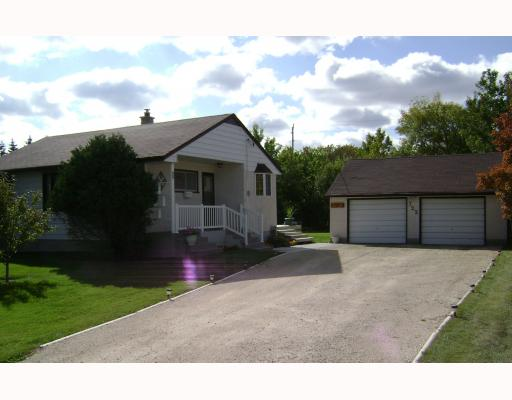 FEATURED LISTING: 722 FOXGROVE Avenue WINNIPEG