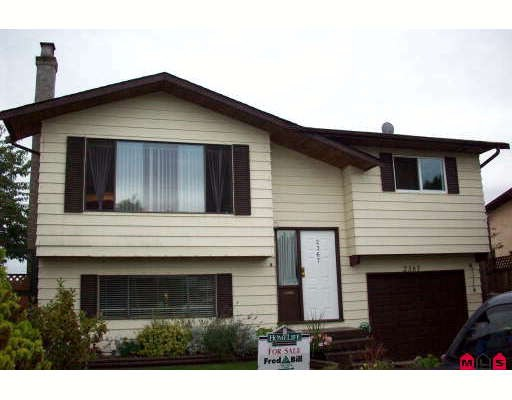 "Main Photo: 2367 WAKEFIELD Court in Langley: Willoughby Heights House for sale in ""Langley Meadows"" : MLS®# F2824244"