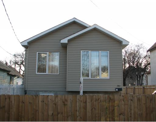 Main Photo: 380 ABERDEEN Avenue in WINNIPEG: North End Residential for sale (North West Winnipeg)  : MLS® # 2920798