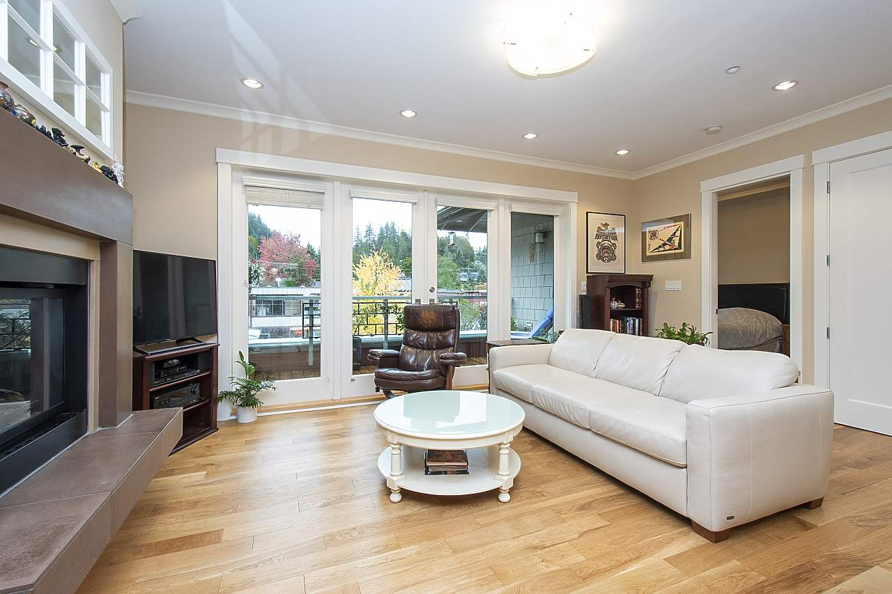 FEATURED LISTING: PH6 - 6688 ROYAL Avenue West Vancouver