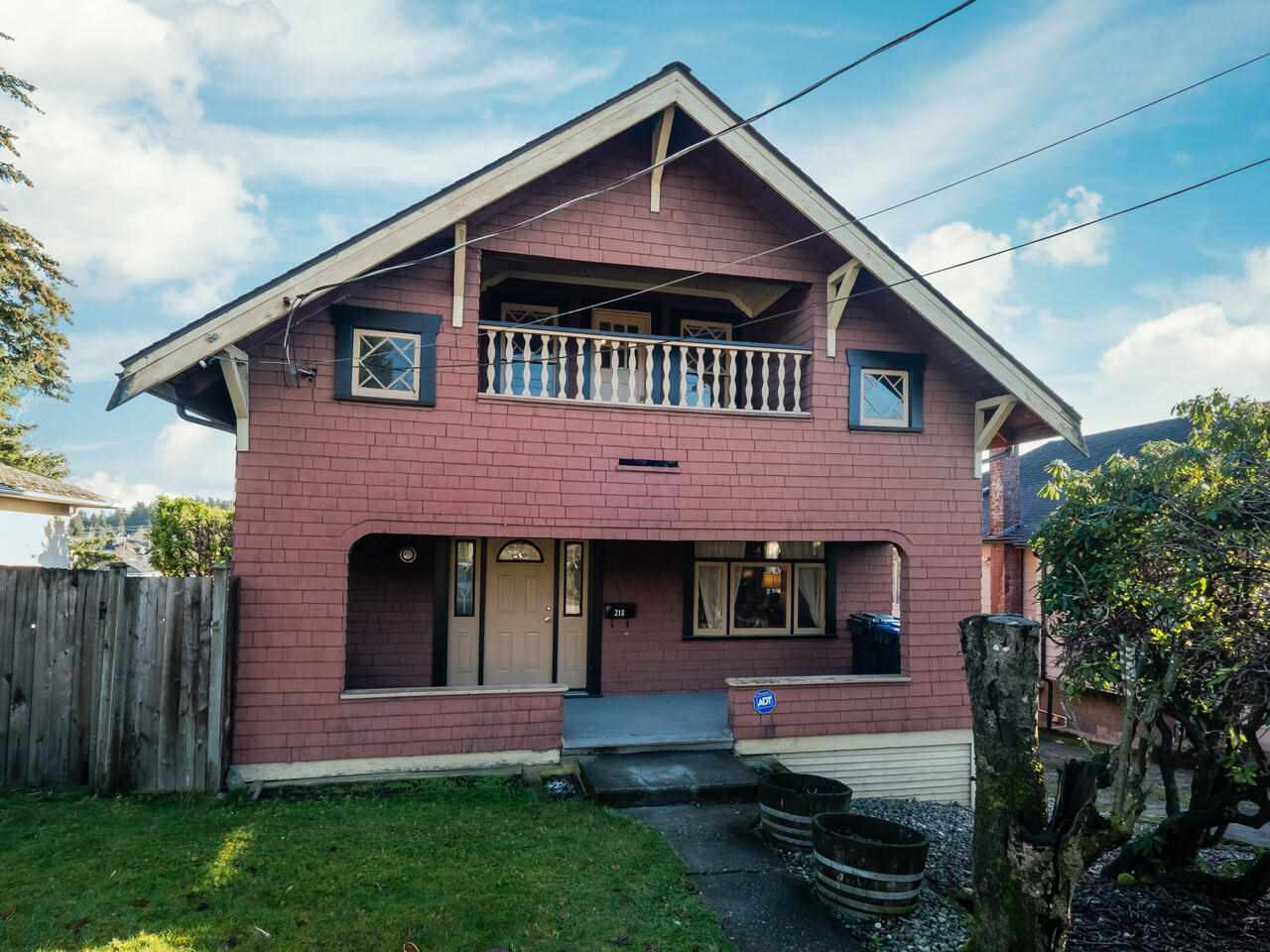 FEATURED LISTING: 218 TENTH Avenue New Westminster