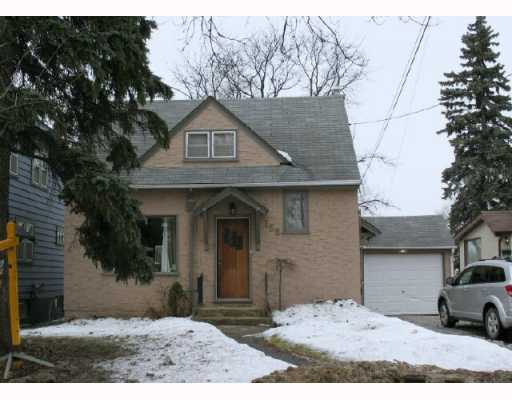 Main Photo:  in WINNIPEG: East Kildonan Residential for sale (North East Winnipeg)  : MLS® # 2902947