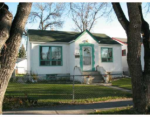 Main Photo:  in WINNIPEG: East Kildonan Single Family Detached for sale (North East Winnipeg)  : MLS®# 2718642
