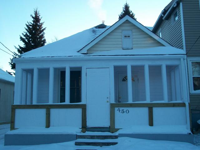 Main Photo: 450 BURROWS Avenue in WINNIPEG: North End Residential for sale (North West Winnipeg)  : MLS® # 1100055