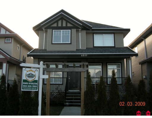 "Main Photo: 6811 192ND Street in Surrey: Clayton House for sale in ""CLAYTON VILLAGE"" (Cloverdale)  : MLS® # F2904006"