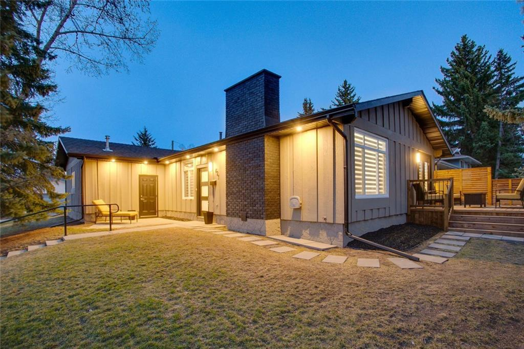 FEATURED LISTING: 627 LAKE LINNET Crescent Southeast Calgary