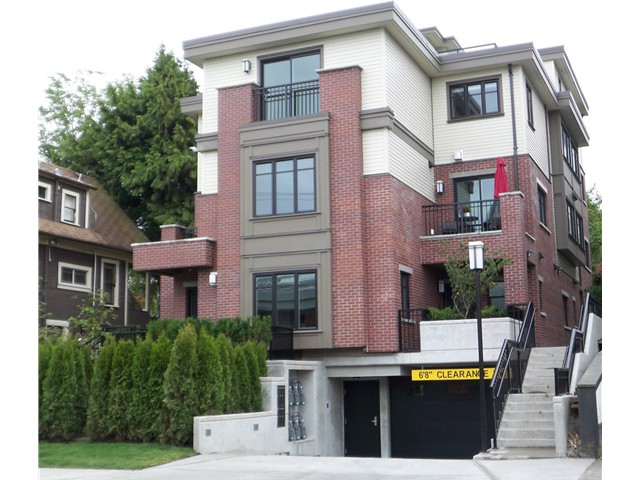 "Main Photo: 466 E 5TH Avenue in Vancouver: Mount Pleasant VE Townhouse for sale in ""468 FIFTH AVENUE"" (Vancouver East)  : MLS®# V852878"