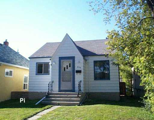 Main Photo:  in WINNIPEG: East Kildonan Single Family Detached for sale (North East Winnipeg)  : MLS®# 2616747