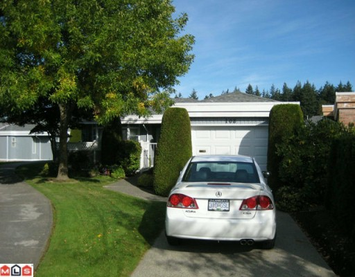 "Main Photo: 108 14271 18A Avenue in Surrey: Sunnyside Park Surrey Townhouse for sale in ""OCEAN BLUFF COURT"" (South Surrey White Rock)  : MLS®# F1003006"