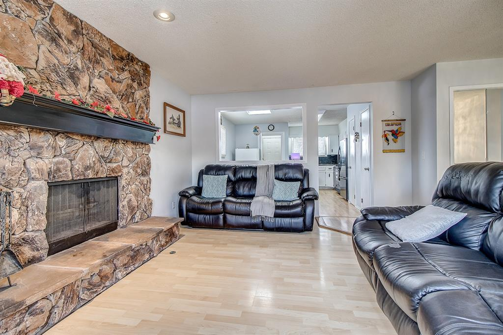FEATURED LISTING: 14904 Deerfield Drive Southeast Calgary