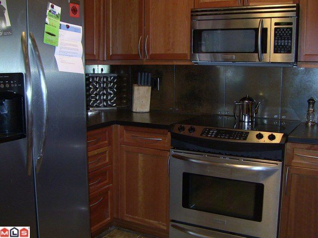 "Photo 3: 201 15272 19TH Avenue in Surrey: King George Corridor Condo for sale in ""BAKERVIEW PARK"" (South Surrey White Rock)  : MLS(r) # F1007989"