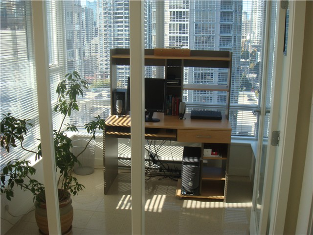 "Photo 5: 2210 928 BEATTY Street in Vancouver: Downtown VW Condo for sale in ""MAX"" (Vancouver West)  : MLS® # V854398"