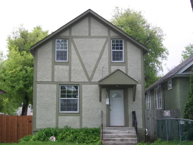 Main Photo: 430 ST JOHN'S Avenue in WINNIPEG: North End Residential for sale (North West Winnipeg)  : MLS® # 1111418