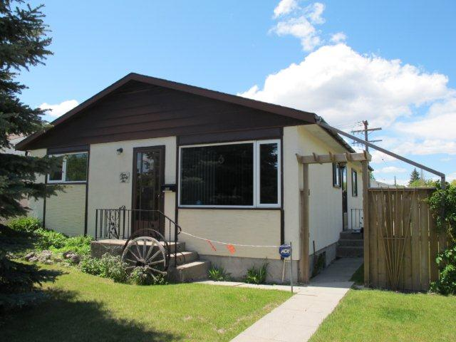 Main Photo:  in WINNIPEG: Westwood / Crestview Residential for sale (West Winnipeg)  : MLS®# 1111676