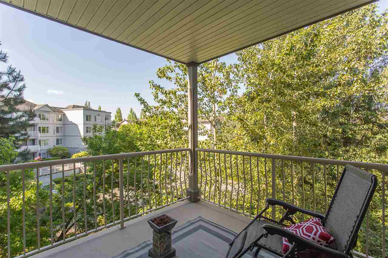 "Photo 16: 305 5475 201 Street in Langley: Langley City Condo for sale in ""HERITAGE PARK"" : MLS® # R2170773"