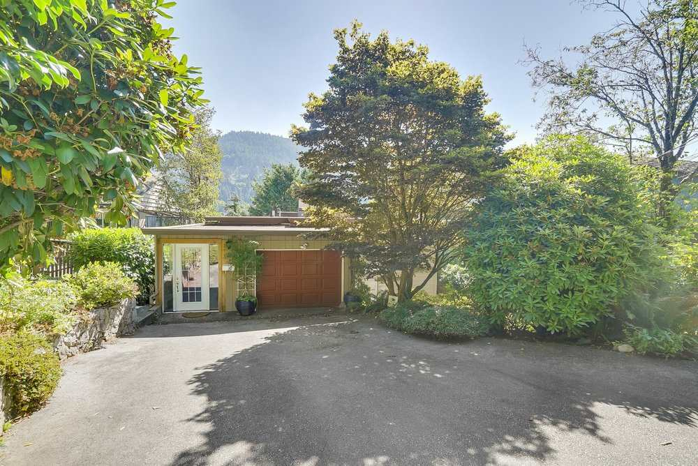 Main Photo: 6580 WELLINGTON Avenue in West Vancouver: Horseshoe Bay WV House for sale : MLS® # R2193462