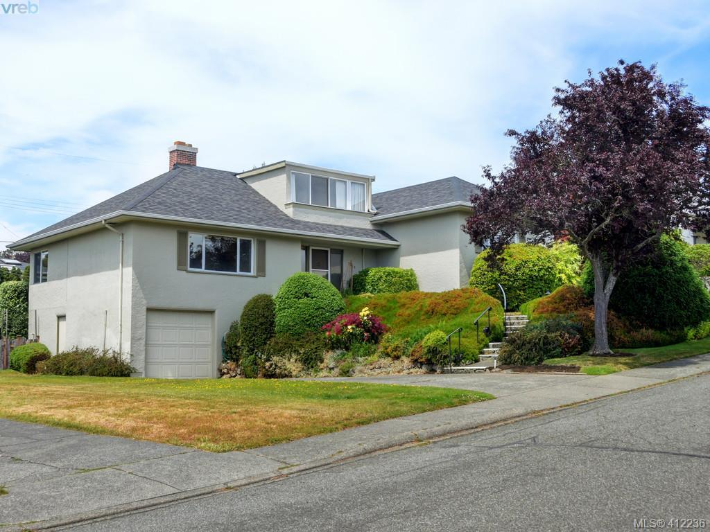 FEATURED LISTING: 3034 Larkdowne Rd VICTORIA