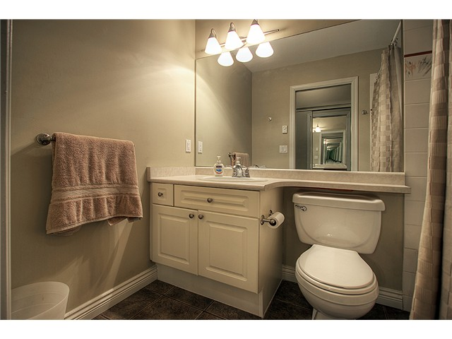 Main Photo: 109 2109 ROWLAND Street in Port Coquitlam: Central Pt Coquitlam Condo for sale : MLS®# V970962