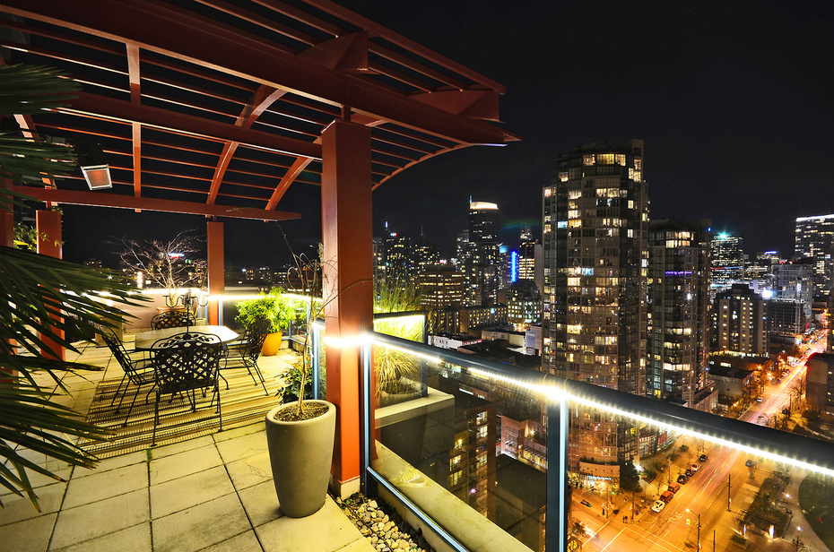 "Main Photo: 1504 1238 SEYMOUR Street in Vancouver: Downtown VW Condo for sale in ""SPACE"" (Vancouver West)  : MLS®# V1045330"
