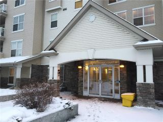 Main Photo: 410 2000 APPLEVILLAGE Court SE in Calgary: Applewood Park Condo for sale : MLS® # C4160966