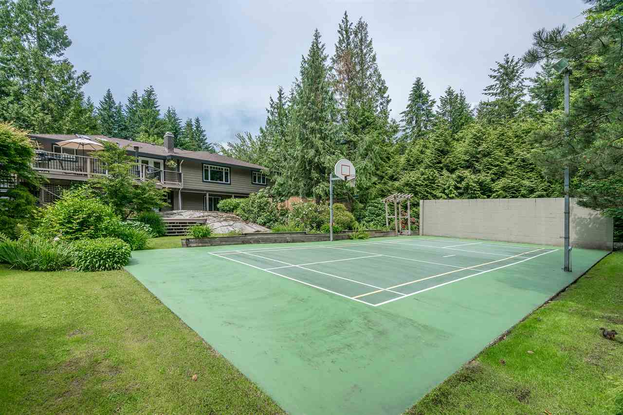 Main Photo: 4641 WOODBURN Road in West Vancouver: Cypress Park Estates House for sale : MLS(r) # R2178294