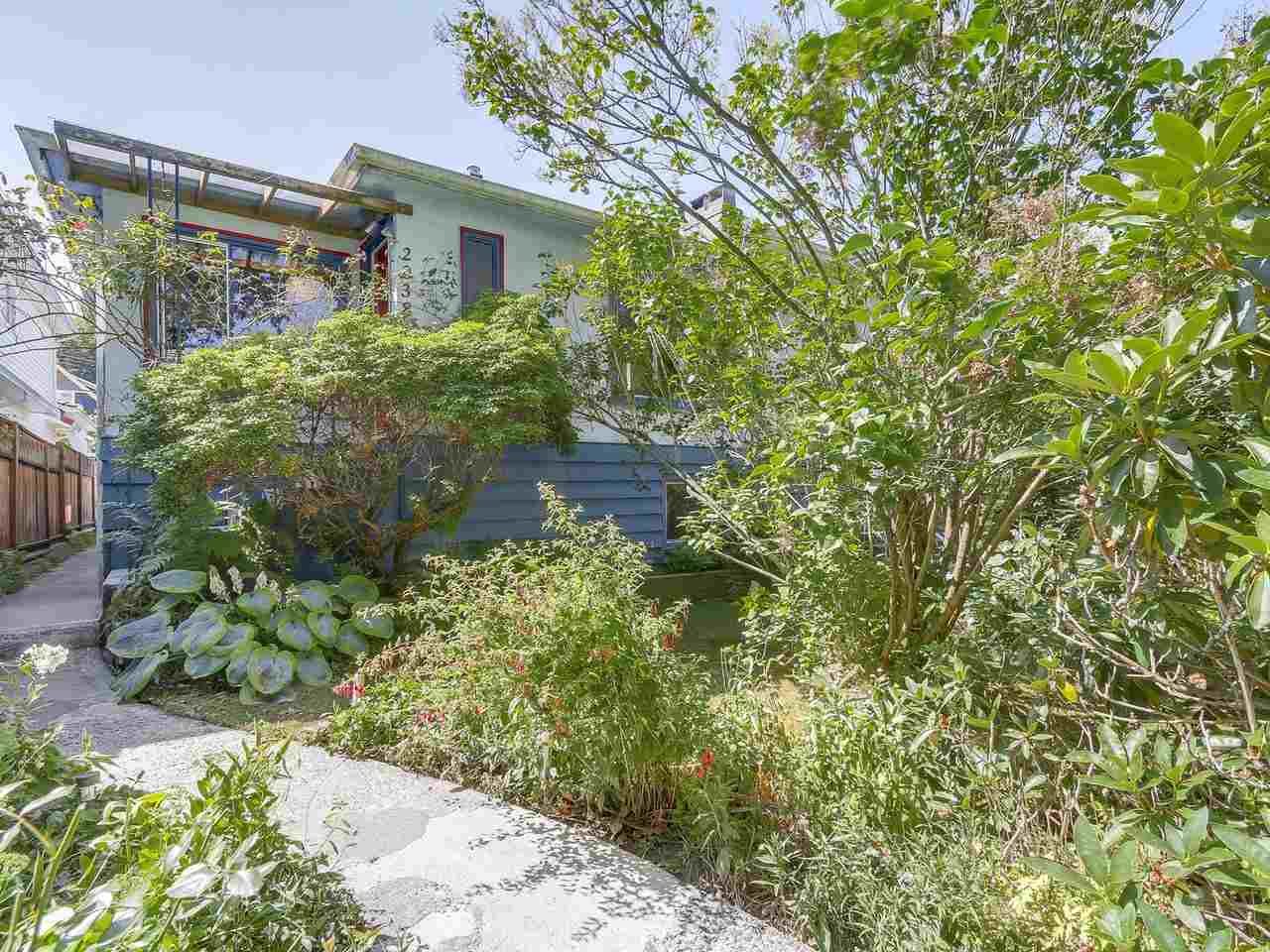 FEATURED LISTING: 2038 2ND Avenue East Vancouver