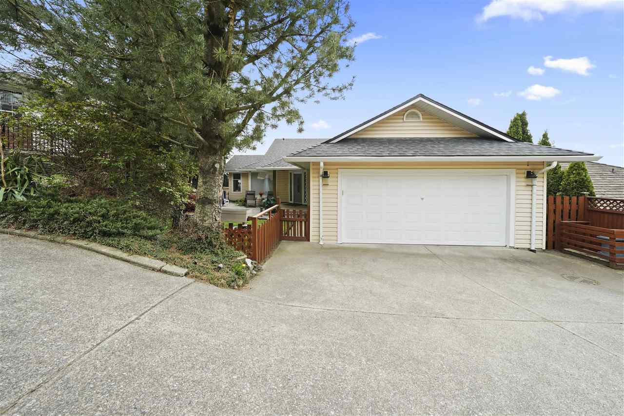 FEATURED LISTING: 35784 CANTERBURY Avenue Abbotsford