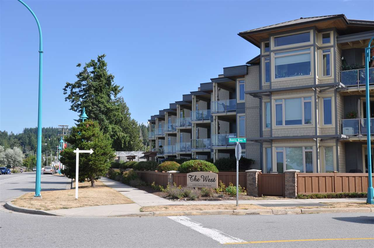 "Main Photo: 231 5160 DAVIS BAY Road in Sechelt: Sechelt District Condo for sale in ""THE WEST AT DAVIS BAY PARKWAY"" (Sunshine Coast)  : MLS® # R2204249"