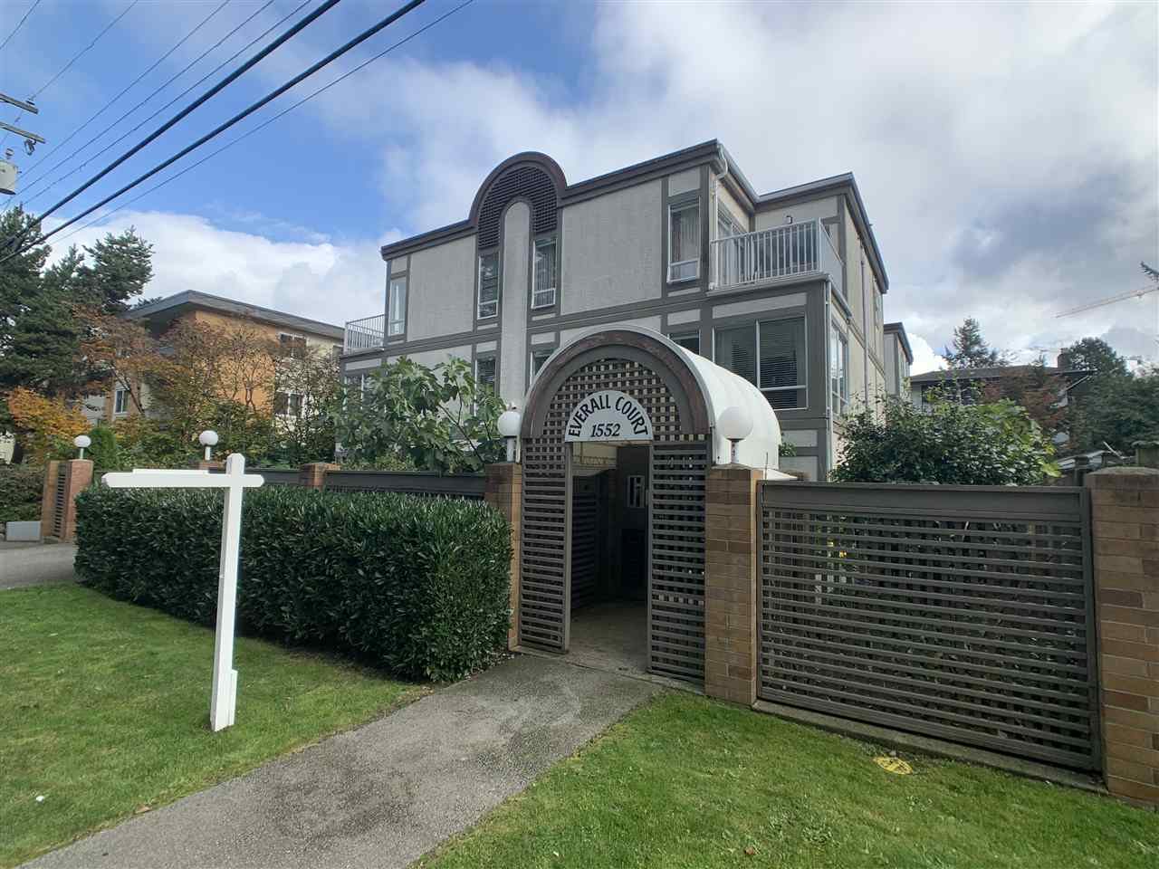 FEATURED LISTING: 5 - 1552 EVERALL Street White Rock