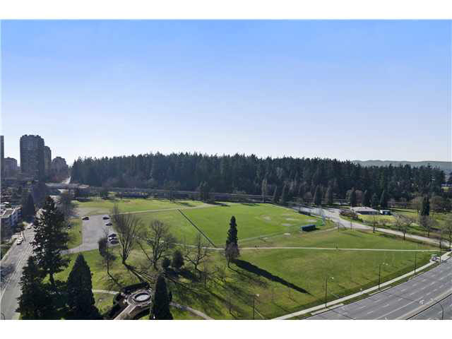 FEATURED LISTING: 2103 - 5652 PATTERSON Avenue Burnaby
