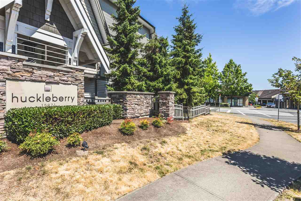 "Main Photo: 2 15871 85 Avenue in Surrey: Fleetwood Tynehead Townhouse for sale in ""Huckleberry"" : MLS(r) # R2189244"