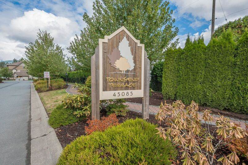 "Main Photo: 39 45085 WOLFE Road in Chilliwack: Chilliwack W Young-Well Townhouse for sale in ""Townsend Terrace"" : MLS®# R2207128"