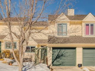 Main Photo: 300 SANDRINGHAM Road NW in Calgary: Sandstone Valley House for sale : MLS® # C4172438