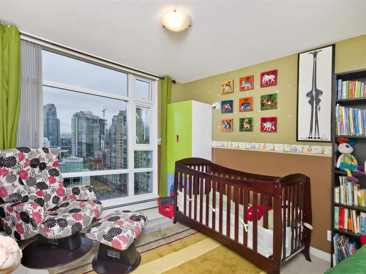 "Photo 8: 2108 198 AQUARIUS Mews in Vancouver: Yaletown Condo for sale in ""THE AQUARIUS"" (Vancouver West)  : MLS® # R2125703"
