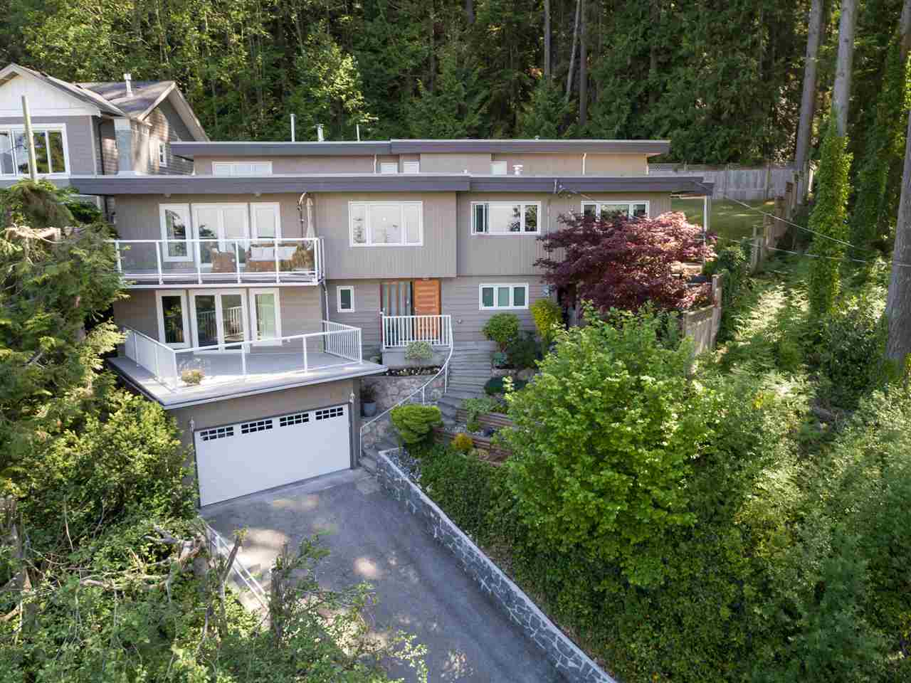 Main Photo: 4390 PROSPECT Road in North Vancouver: Upper Delbrook House for sale : MLS® # R2173448