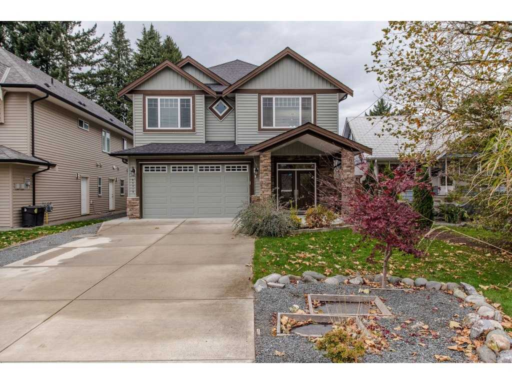 Main Photo: 45319 CRESCENT Drive in Chilliwack: Chilliwack W Young-Well House for sale : MLS®# R2221140