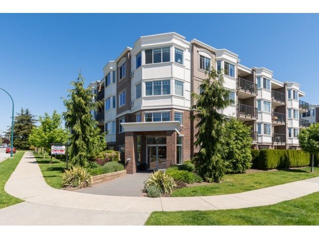FEATURED LISTING: PH5 15357 ROPER Avenue White Rock