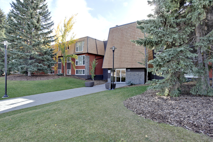 Main Photo: 312 50 Avenue SW in Calgary: Apartment for sale : MLS® # C3641138